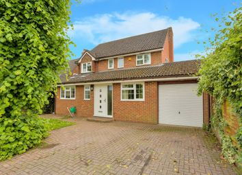 Thumbnail 3 bed property to rent in Ridgewood Drive, Harpenden, Hertfordshire