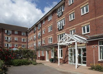 Thumbnail 2 bed flat for sale in Glen Luce, Turners Hill, Cheshunt, Herts