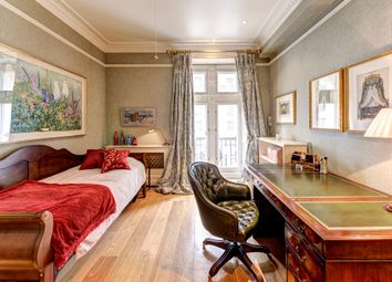 3 bed flat for sale in Whitehall Court, London SW1A