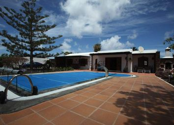 Thumbnail 5 bed villa for sale in Playa Blanca, Spain
