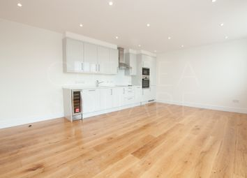 Thumbnail 1 bed flat to rent in Park Avenue, Bushey, Hertfordshire