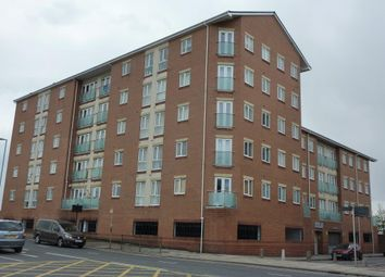 Thumbnail 1 bedroom flat to rent in Wincolmlee, Hull City Centre