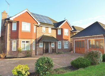 Thumbnail 5 bed detached house to rent in Oakwood Drive, Billericay
