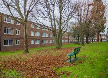 1 bed flat for sale in Burke Close, London SW15