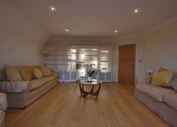 Thumbnail 2 bedroom flat to rent in Hempstead Road, Watford