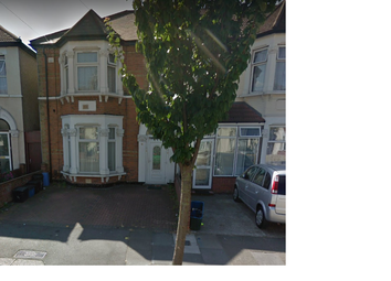 Thumbnail 1 bed flat to rent in Cecil Road, Ilford