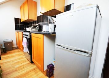 Thumbnail 1 bed flat to rent in First Avenue, Shepherds Bush