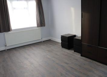 Thumbnail 3 bed flat to rent in Elmsleigh Avenue, Kenton