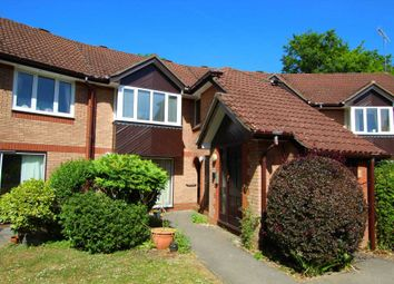 1 bed flat for sale in The Cloisters, Caversham RG4