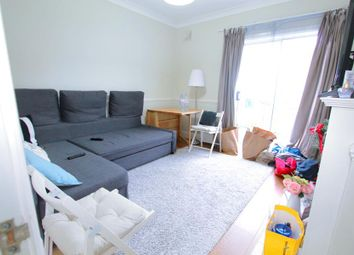 Thumbnail 2 bed flat to rent in Fleeming Road, London