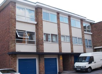 Thumbnail 1 bed flat to rent in Gresham Road, Brentwood