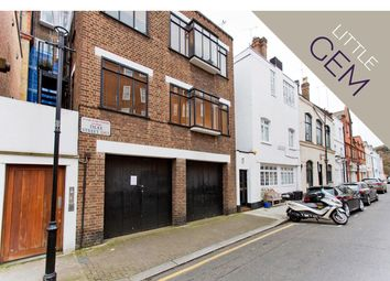Thumbnail 2 bed cottage to rent in Dilke Street, London