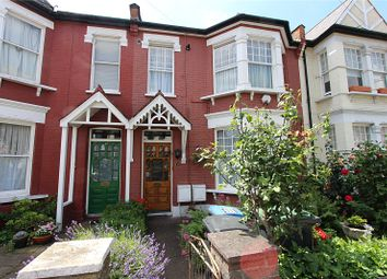 Thumbnail 1 bed flat to rent in Melbourne Avenue, Palmers Green, London