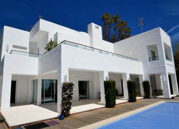 Thumbnail 4 bed villa for sale in Marbella, Andalusia, Spain
