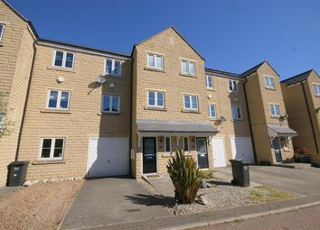 Thumbnail 3 bed town house to rent in Larkfield Court, Brighouse