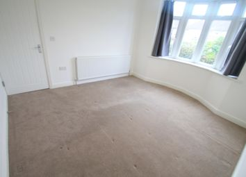 Thumbnail 3 bed bungalow to rent in Mixes Hill Road, Luton
