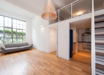 Thumbnail 2 bedroom flat to rent in Shepperton Road, London