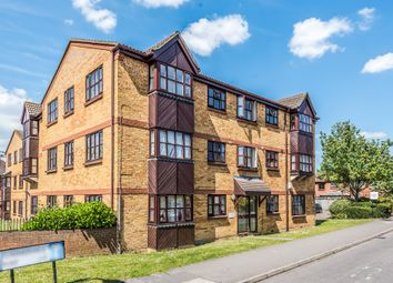 Thumbnail 2 bedroom flat for sale in Summerhill Way, Mitcham