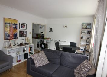 Thumbnail Flat to rent in Southwick Street, London