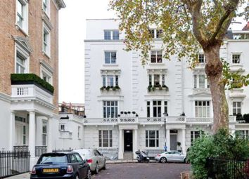 Thumbnail 3 bed flat to rent in Ovington Square, London