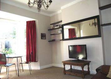 Thumbnail 2 bedroom flat to rent in Wellesley Road, London