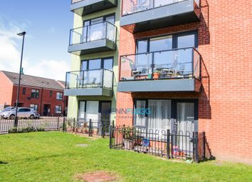 Thumbnail 2 bed flat for sale in Finefield Walk, Slough