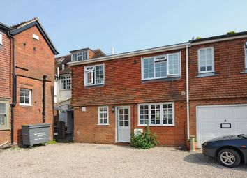Thumbnail 2 bed flat to rent in Heath Road, Petersfield