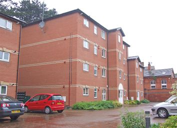 Thumbnail 3 bed flat to rent in Midland Road, Wellingborough