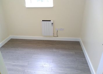 1 bed flat to rent in Thurcaston Road, Leicester LE4