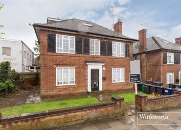 Thumbnail 2 bed flat for sale in Robart House, Lodge Lane, North Finchley, London