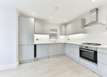 3 bed property for sale in Ringwood Avenue, Redhill RH1