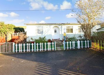 2 bed mobile/park home for sale in Vicarage Lane, Hoo, Rochester, Kent ME3