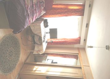 Thumbnail Room to rent in Princes Avenue, Palmers Green
