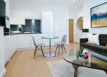 Thumbnail 2 bed flat for sale in Lansdowne Avenue, Slough