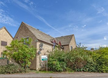 Thumbnail 2 bedroom flat to rent in Thorney Leys, Witney