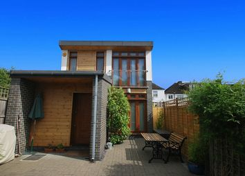 Thumbnail 1 bed detached house to rent in Albert Close, Alexandra Park