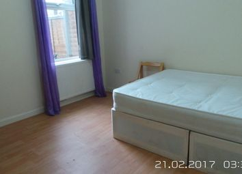 Thumbnail 5 bed terraced house to rent in Ratcliff Road, London