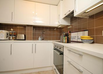 Thumbnail 2 bed flat to rent in Schubert Road, Putney, London