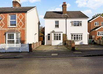 Thumbnail 3 bed flat to rent in Doods Road, Reigate