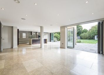 Grove End Lane, Esher KT10. 5 bed detached house