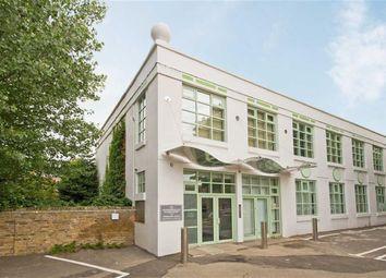 Thumbnail 1 bed flat to rent in Chertsey Road, Twickenham