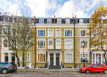 2 bed flat to rent in Kempsford Gardens, Earls Court, London SW5