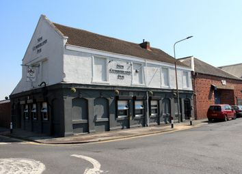 Thumbnail Pub/bar for sale in Cumberland Street, Hull