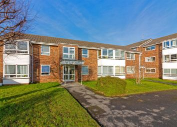 2 bed flat for sale in Hawthorn Gardens, Broadwater, Worthing BN14