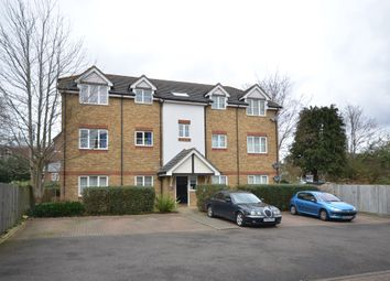 Thumbnail 2 bedroom flat to rent in Clarence Road, Fleet