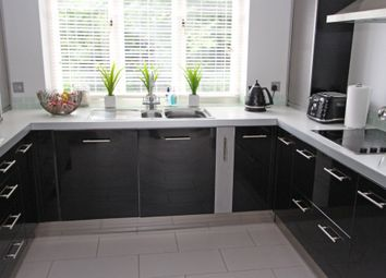 Thumbnail 4 bed detached house to rent in Harpurs, Tadworth