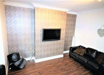Thumbnail 7 bed property to rent in Estcourt Avenue, Headingley