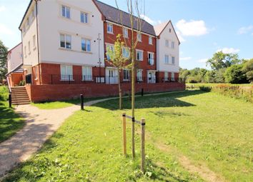 Thumbnail 2 bed flat to rent in Hammingden Court, Crawley