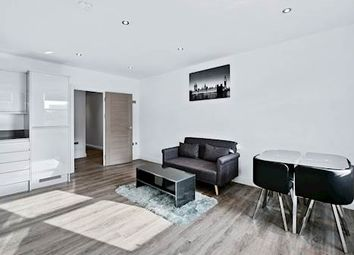 Thumbnail 2 bed flat to rent in Bethnal Green Road, Bethnal Green