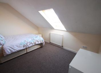 Thumbnail Room to rent in 35 Tosson Terrace, Heaton, Newcastle Upon Tyne, Tyne And Wear